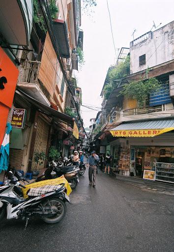 010.Phố Tạ Hiện, Hà Nội (6)