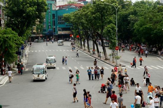 008.Cảnh quan phố Đinh Tiên Hoàng