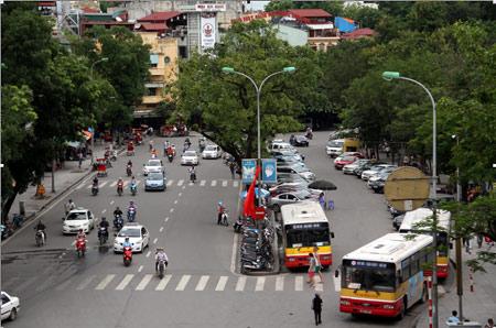 009.Cảnh quan phố Đinh Tiên Hoàng
