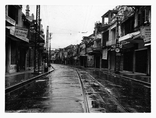 013.Cột đèn điện 10-1954